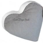 Серая подушка в форме сердца