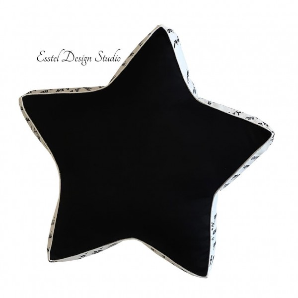"Декоративная подушка ""Чёрная звезда"""