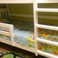 детское покрывало на кровати